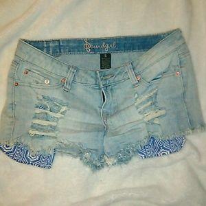 💥 EUC sz 5 Cutoff distressed Jean Shorts 😍💥
